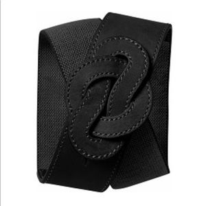 Banana Republic leather knit belt
